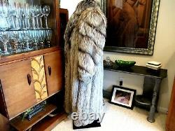 AUTHENTIC GLAM SILVER FOX FULL LENGTH (52) COAT With DIRECTIONAL SLEEVES SZ L/XL