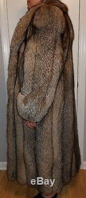 Elegant Full Length, Dyed Crystal Fox Fur Coat Ladies Large. $6500 Appraisal