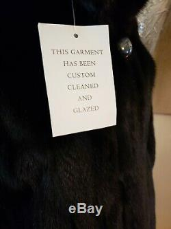 Amazing Noir Vison Coat Longueur. Grande Newquality. Professional Care