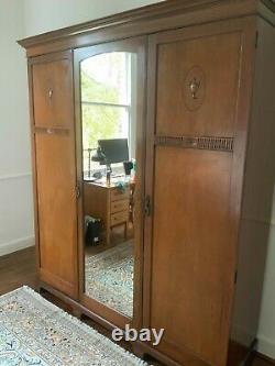 Grande Garde-robe En Bois Édouardienne Antique Avec Le Miroir Pleine Longueur