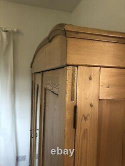 Grande Garde-robe En Pin Antique 3 Portes Triple