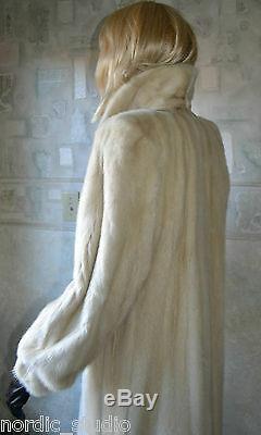 Superbe Véritable Blush Vison Coat, Cadrage, La Taille M-l, Blanc Crème Ivoire