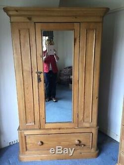 Vintage Shabby Chic Old Pine Armoire Avec Miroir Porte Et Grand Tiroir Fab